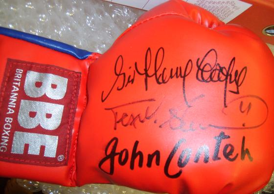 Boxing glove signed by legends Sir Henry Cooper John Conteh & Frank Bruno