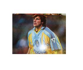 Chelsea superstar Gianfranco Zola  signed magazine picture
