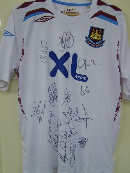 222West Ham United Current  shirt multi signed including Zola