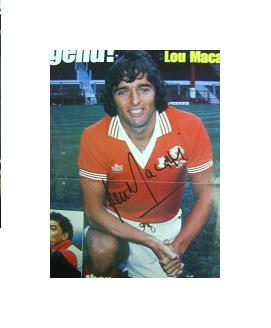 Manchester United star Lou Macari signed magazine picture