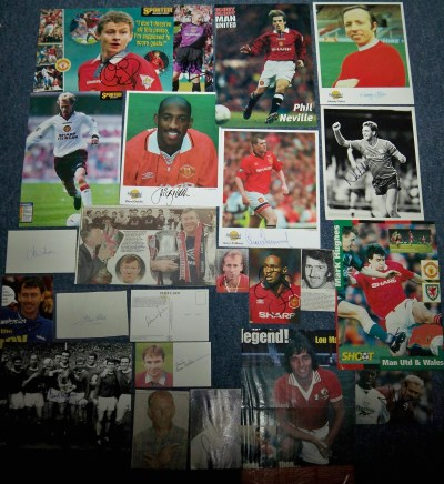 Manchester Utd selection of 22 signed images