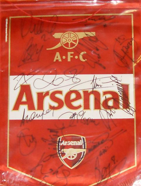 Arsenal Pennant signed by 17