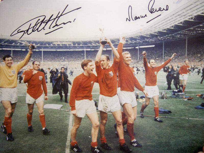 1966 picture signed by Geoff Hurst and Martin Peters 12X16