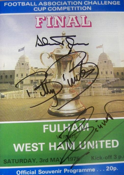 1975 replica West Ham FA Cup final replica programme actually signed by Billy Bonds, Billy Jennings and Alan Taylor
