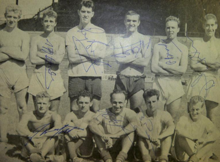 ********Millwall 1950s/60s team signed picture signed by 8