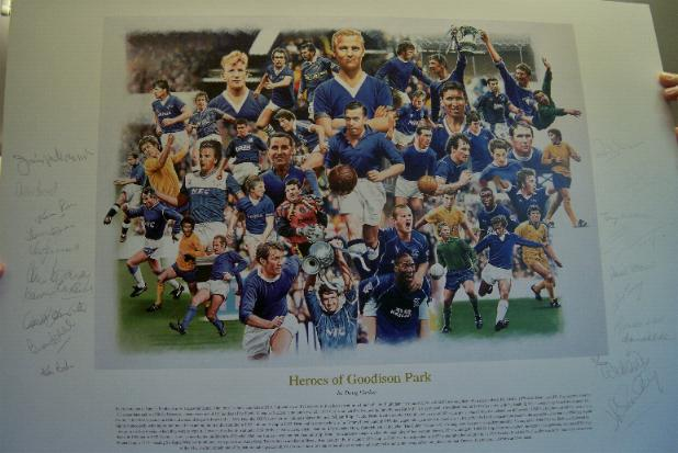 Everton Print signed by 21 legends