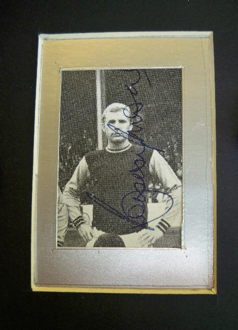 Bobby Moore signed West Ham picture