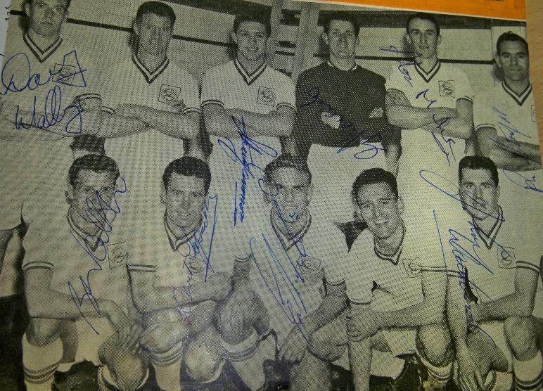 Cardiff City 1950/1960 team signed image signed by 9