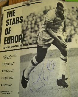 Pele signed image early signature