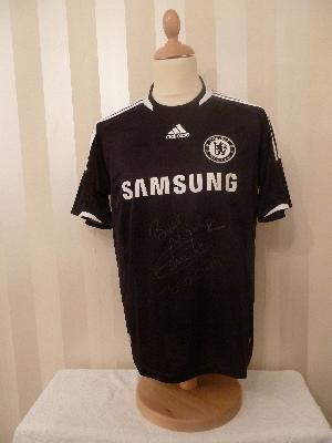 Didder Drogba signed Chelsea  away shirt in Black