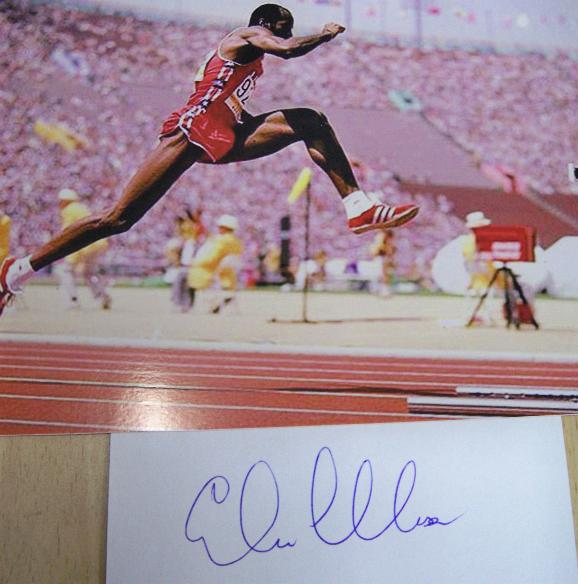 Edwin Moses signature and image
