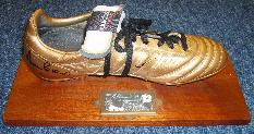 Martin Peters & Geoff Hurst signed gold boot